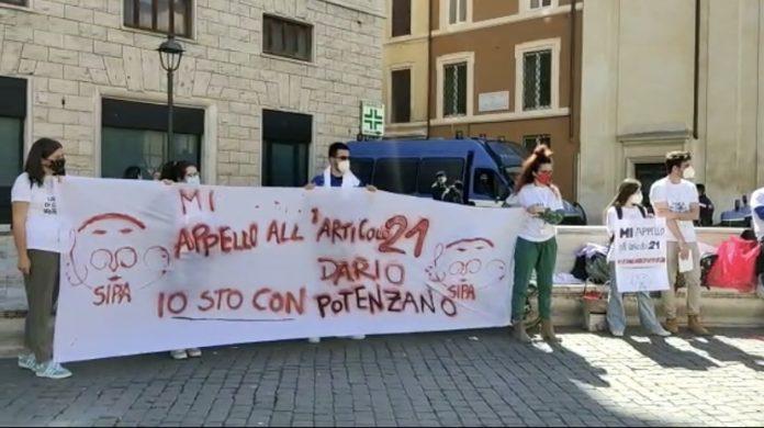manifestazione:ph by Giulia Scialò